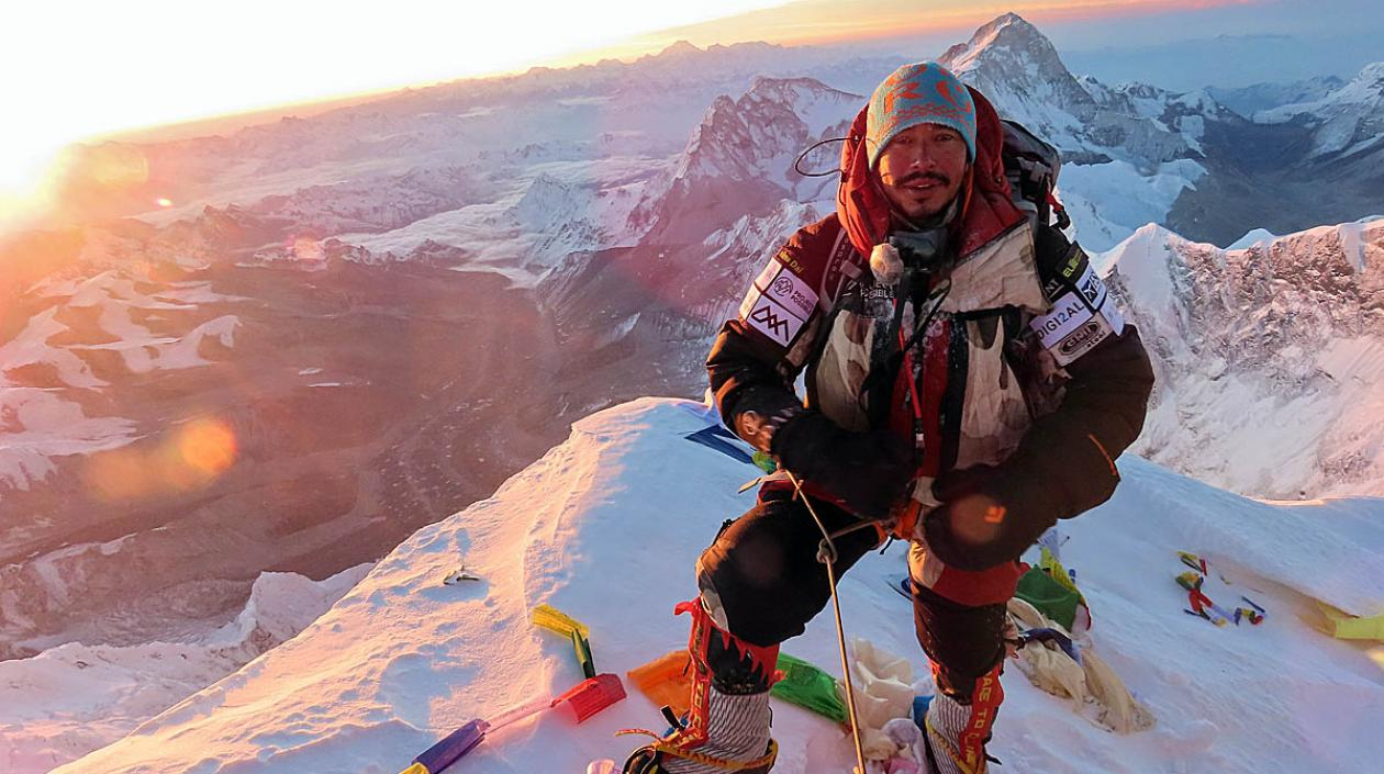 Nepal: alpinista toca las 14 cimas más altas de la Tierra en solo 190 días