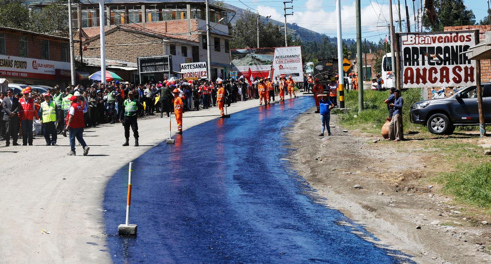 RECONSTRUCCION DE CARRETERA HUARAZ – CARAZ   con obras por impuesto
