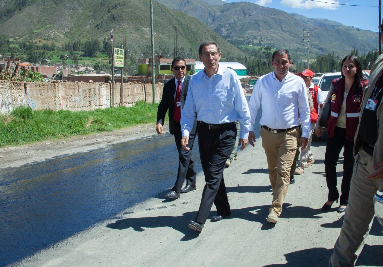 PRESIDENTE VIZCARRA EN YUNGAY Y PARTICIPA EN SIMULACRO