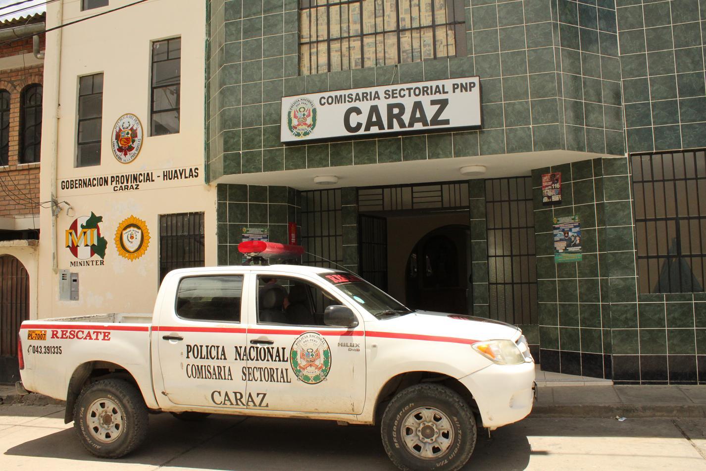 HERMANA DE EDGAR MONERO ALVAREZ Y ESPOSO HACE ESCANDALO EN CARAZ